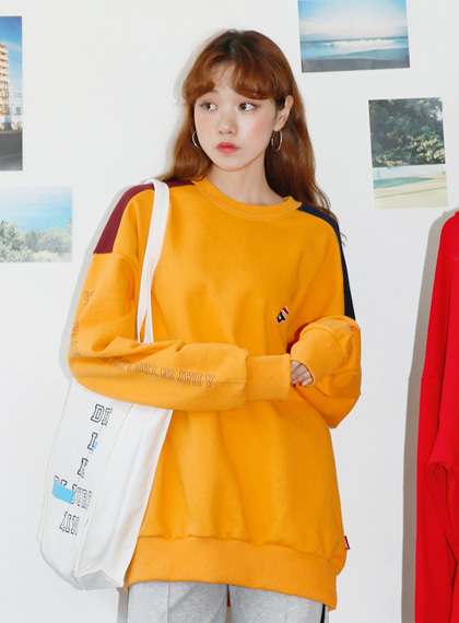Shoulder Color Sweat Shirts | 럽미