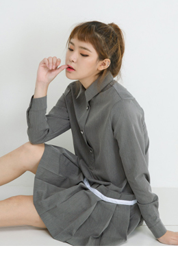 Line pleats shirt one-piece